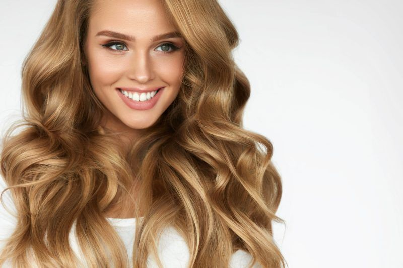 зачіски на довге волосся в салонах Ніка та Африка