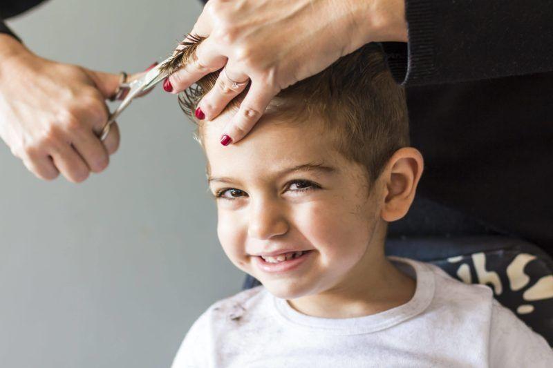 дитячі зачіски в салонах Ніка та Африка