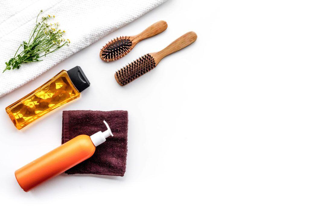догляд за волоссям в салонах Ніка та Африка